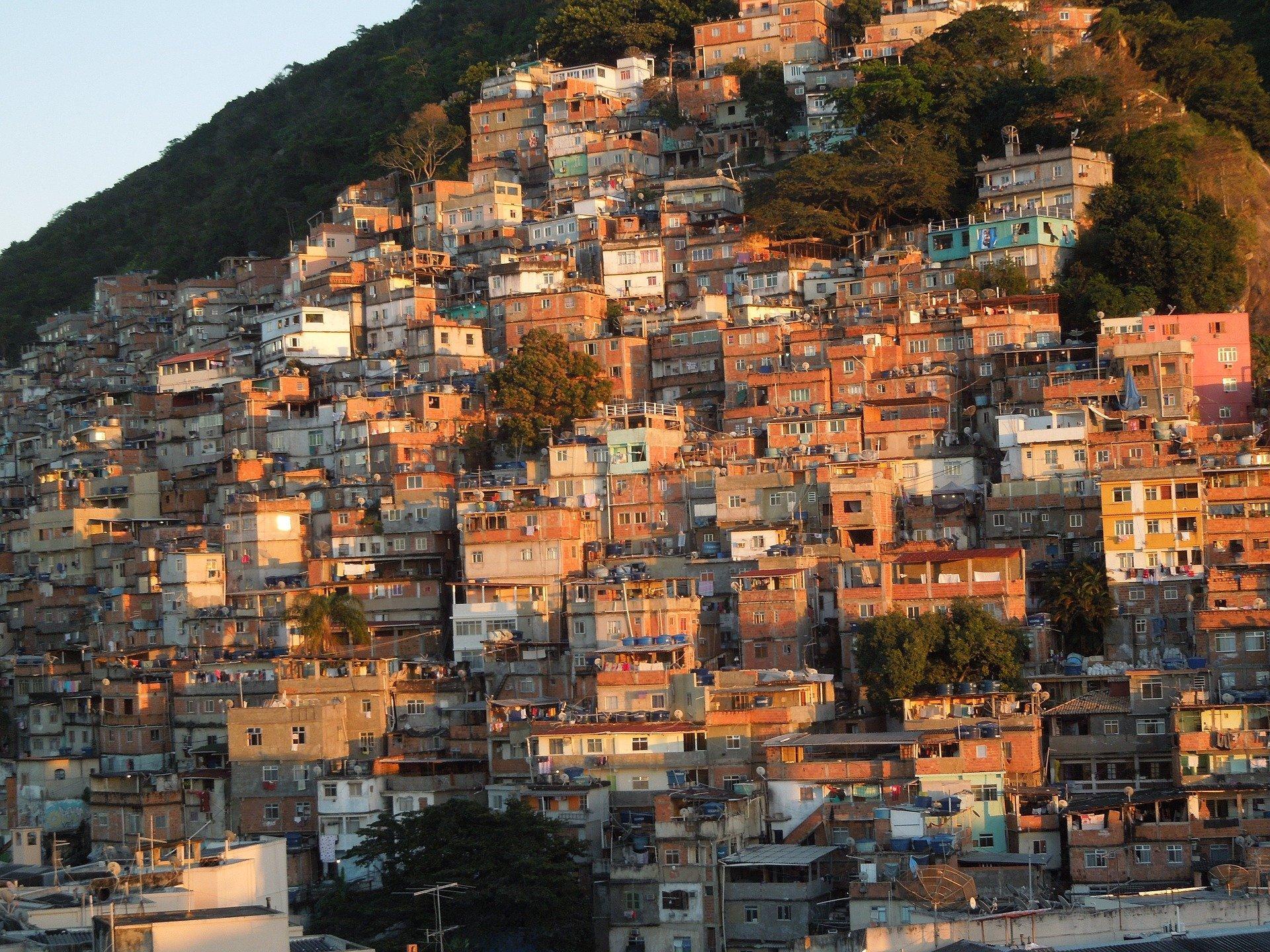 Favelas sofrem mais com a disseminação da COVID-19